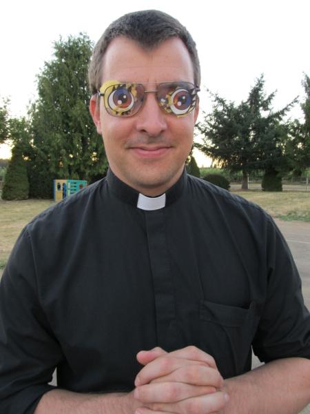 Deacon Scott w eye