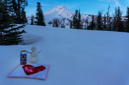 Heart Beer snowman