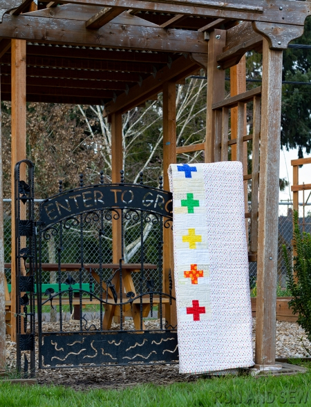 IMG_4283 Quilt on fence